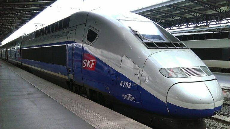 Gare SNCF de Paris Est E28093 rame TGV 2N2 3UA 4702 motrice 310003 1024x768 1 e1627311041223