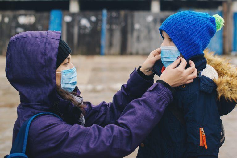 enfant masque parents
