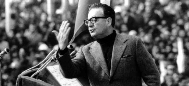 Salvador Allende en discurso