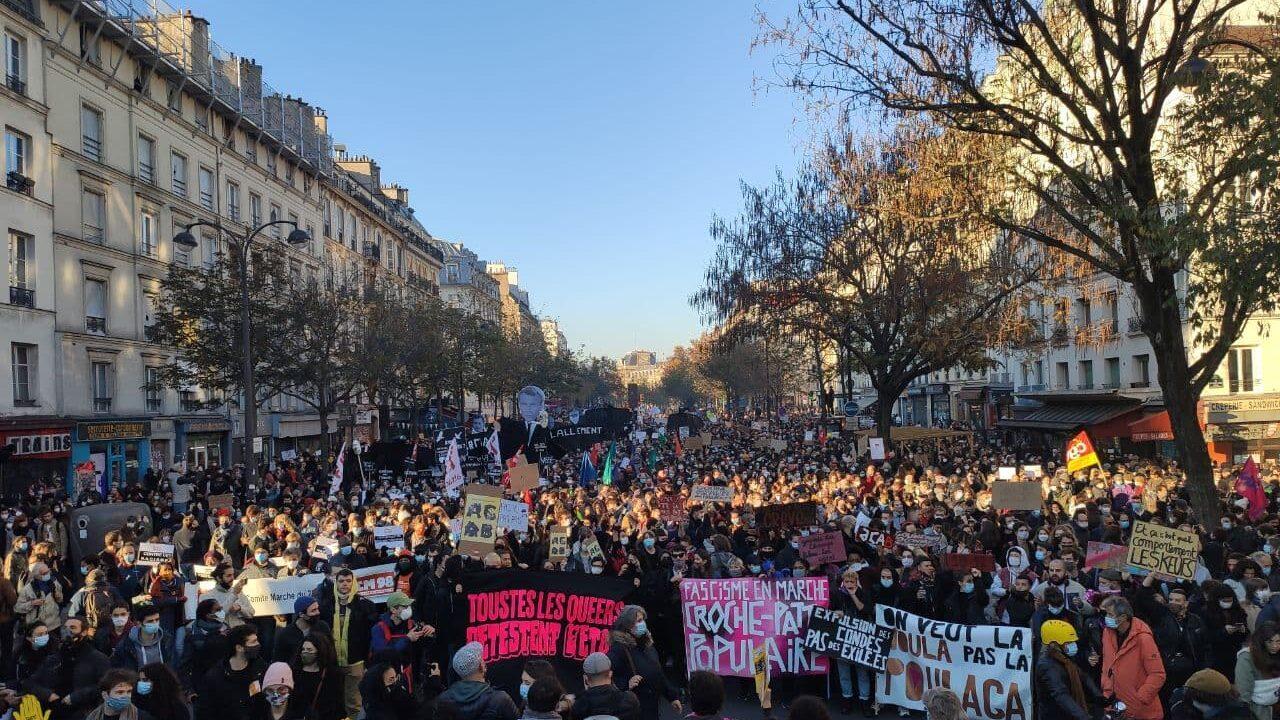 Paris foule e1617042035743