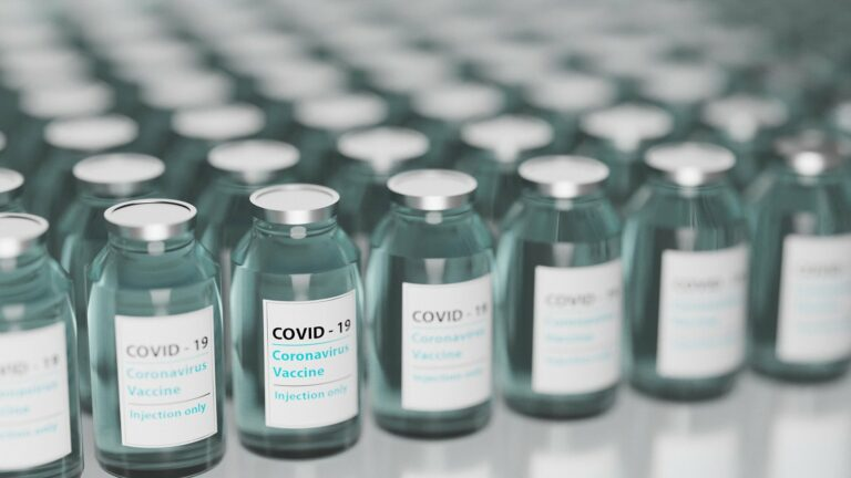 vaccine 5895477 1920