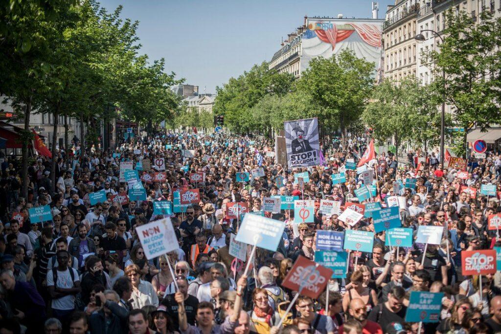 Stop Macron