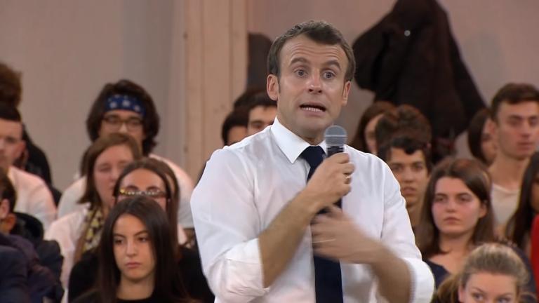 Macron Jeunes grimace