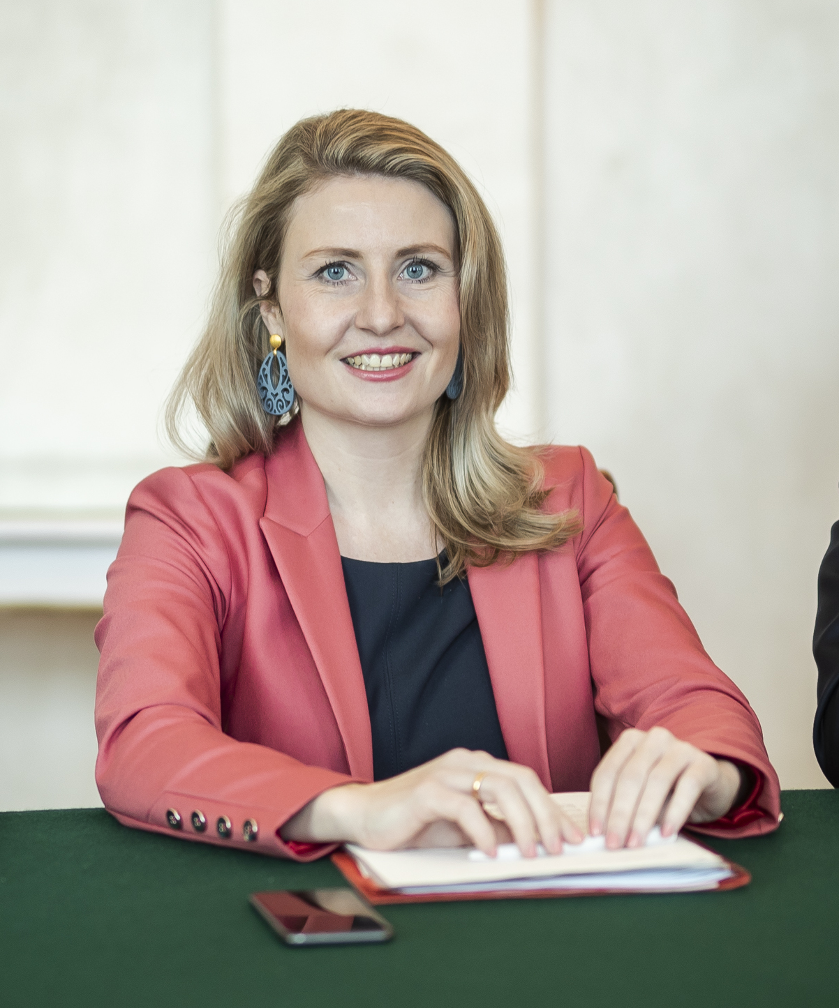 2020 Susanne Raab Ministerrat am 8.1.2020 49351571192 cropped