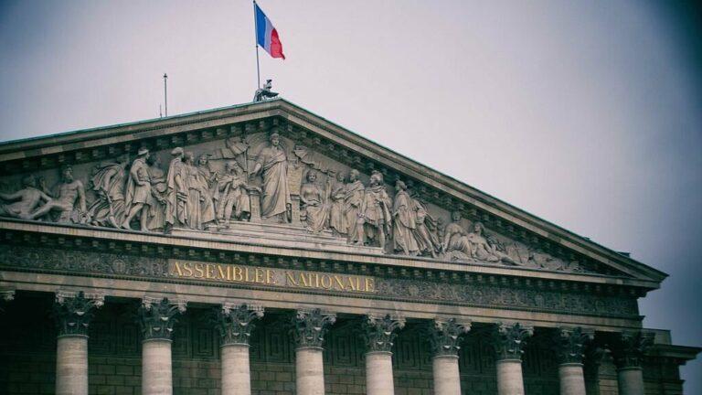 Paris Assemblee Nationale fronton 20161029 1 e1610988800528