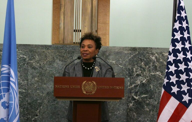 Representative Barbara Lee at the Opening Reception Quilt Challenge for the Global Fund 1024x651 1