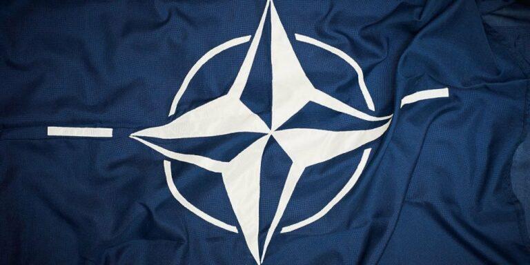 drapeau otan melenchon 1024x512 1