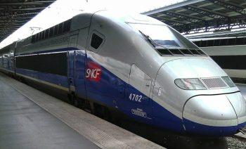 Gare_SNCF_de_Paris-Est_%E2%80%93_rame_TGV_2N2_3UA_4702_motrice_310003-1024x768.jpg