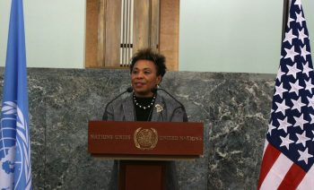 Representative_Barbara_Lee_at_the_Opening_Reception_Quilt_Challenge_for_the_Global_Fund-1024x651.jpg